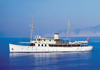 Fair Lady yacht charter Camper & Nicholsons Motor Yacht