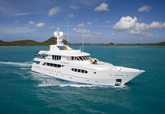 Perle Bleue Yacht Charter in Melbourne