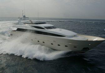 Alila yacht charter CNL - Cantieri Navali Lavagna Motor Yacht