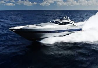 Incognito yacht charter Pershing Motor Yacht