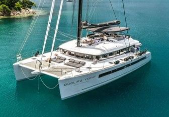 Duolife yacht charter Lagoon Motor/Sailer Yacht
