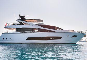 Mowana yacht charter Sunseeker Motor Yacht