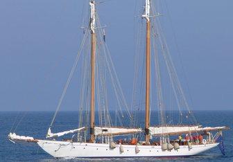 Puritan yacht charter Elco Sail Yacht