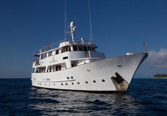 Le Kir Royal yacht charter Van Den Akken Motor Yacht