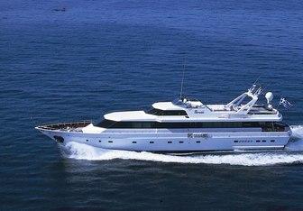 Paradis yacht charter Canados Motor Yacht