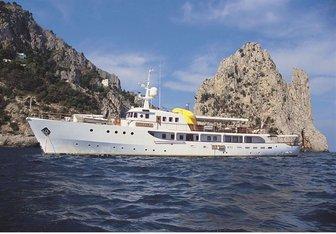 Istranka yacht charter 3.MAJ d.d Motor Yacht