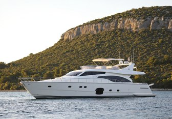 Dominique Yacht Charter in Lastovo Island