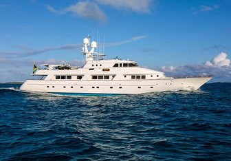 Rena Yacht Charter in Bahamas
