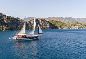 Azra Deniz yacht charter Custom Motor/Sailer Yacht