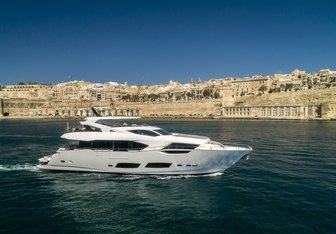 Take Off yacht charter Sunseeker Motor Yacht