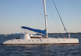 Catbird yacht charter Dufour Yachts Motor/Sailer Yacht