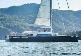 Extreme yacht charter Mengi-Yay Sail Yacht