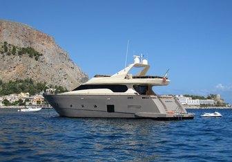 Andea yacht charter Tecnomar Motor Yacht