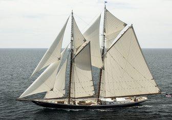 Columbia Yacht Charter in Bermuda