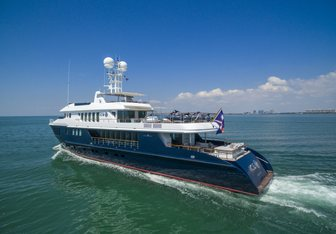 Ice 5 yacht charter Turquoise Motor Yacht