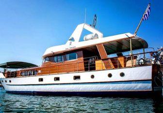 Amanda yacht charter Custom Motor Yacht