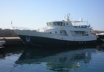 Giada yacht charter Catarsi Motor Yacht