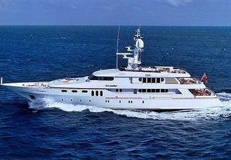 Invader yacht charter Codecasa Motor Yacht