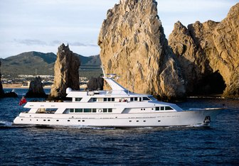 El Duende yacht charter Picchiotti Motor Yacht