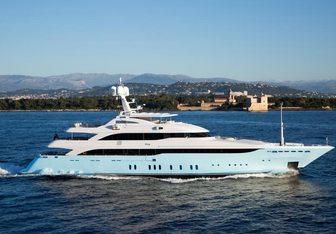 Vertigo yacht charter Golden Yachts Motor Yacht