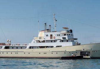 La Sultana yacht charter Bulyard Motor Yacht
