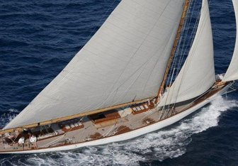 Moonbeam of Fife III Yacht Charter in Menton