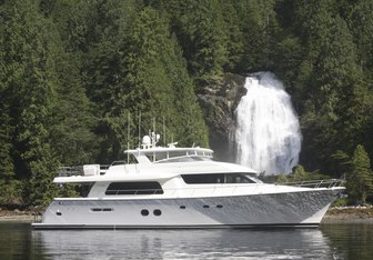 Bella yacht charter Pacific Mariner Motor Yacht