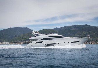 Saint-Anna yacht charter Dominator Motor Yacht