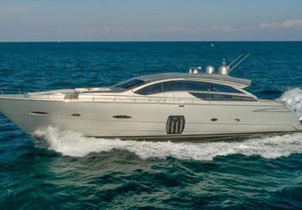 Hawk yacht charter Pershing Motor Yacht