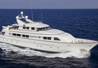 Idylle charter yacht exterior designed by Benetti Sail Division