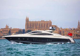 Exceso yacht charter Sunseeker Motor Yacht