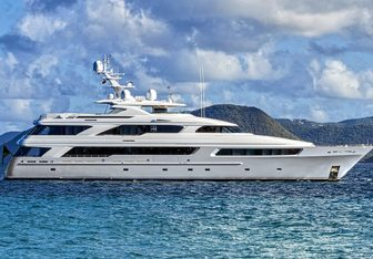 Victoria Del Mar charter yacht exterior designed by Delta Design Group