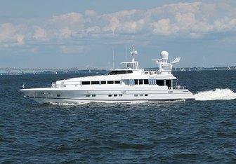 Highline yacht charter Oceanfast Motor Yacht