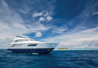 Honors Legacy Yacht Charter in Indian Ocean