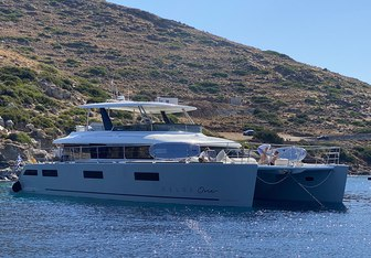 Galux One Yacht Charter in Greece