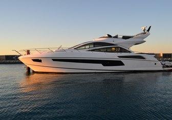 Malolo yacht charter Sunseeker Motor Yacht