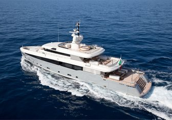 Aslec 4 yacht charter Rossi Navi Motor Yacht