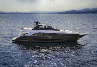 Drifter yacht charter Amer Motor Yacht