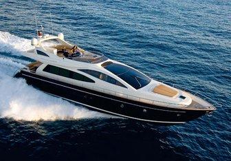Selfie yacht charter Riva Motor Yacht
