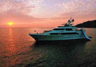 Pipe Dream yacht charter Westport Yachts Motor Yacht
