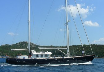 Mi Reina yacht charter North Wind Sail Yacht
