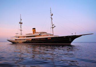 Nero Yacht Charter in Spain