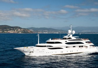 Idyllic yacht charter Benetti Motor Yacht