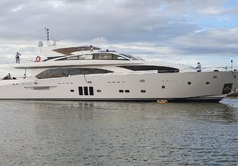 Millesime yacht charter Couach Motor Yacht