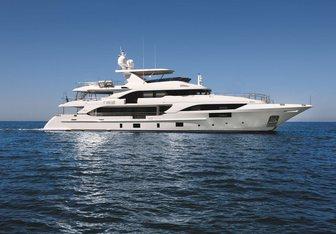 Happy Me yacht charter Benetti Motor Yacht