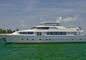 Alicia yacht charter Westport Yachts Motor Yacht