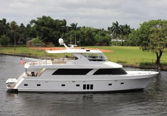 Uncorked yacht charter Ocean Alexander Motor Yacht