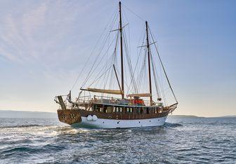 Romanca yacht charter Custom Motor/Sailer Yacht