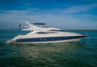 Leolena Yacht Charter in Freeport