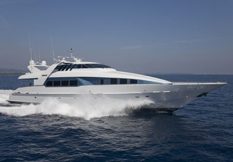 Moonraker charter yacht exterior designed by Mulder Design
